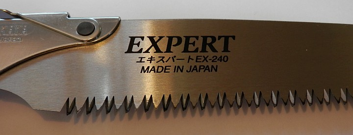 Nakaya Pruning Saw Expert EX-240 red handle close up